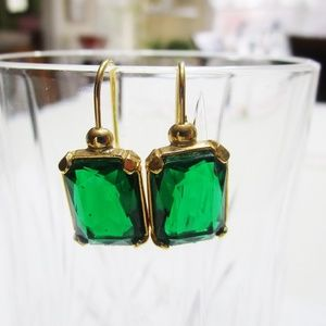 Jewelry - Emerald Green Cut Glass  Goldtone Pierced Earrings